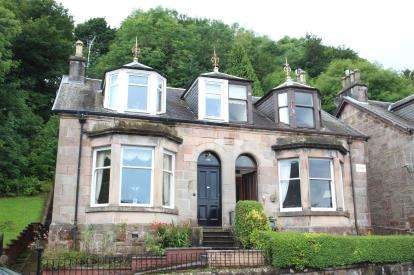 4 Bedrooms Semi Detached House for sale in Broomberry Drive, Gourock