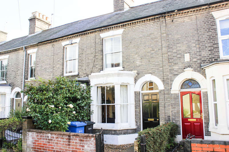 2 Bedrooms Terraced House for sale in Gloucester Street, Norwich NR2
