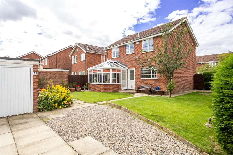 4 Bedrooms Detached House for sale in Orrin Close, York, YO24