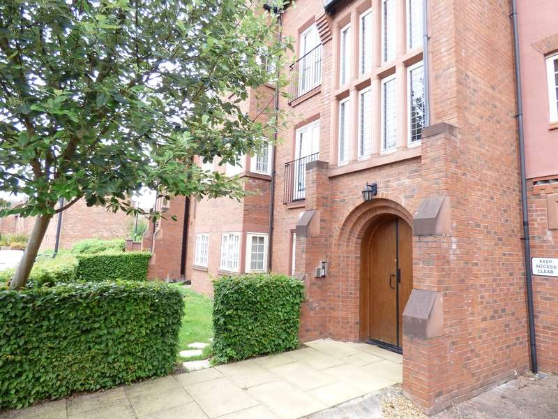 2 Bedrooms Apartment Flat for sale in Butts Green, Warrington, Cheshire, WA5