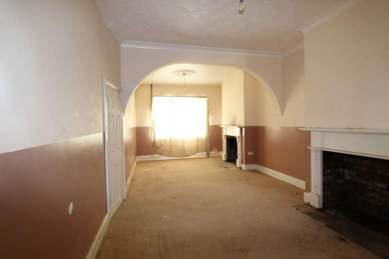 3 Bedrooms Property for sale in Weelsby Street, Grimsby, DN32