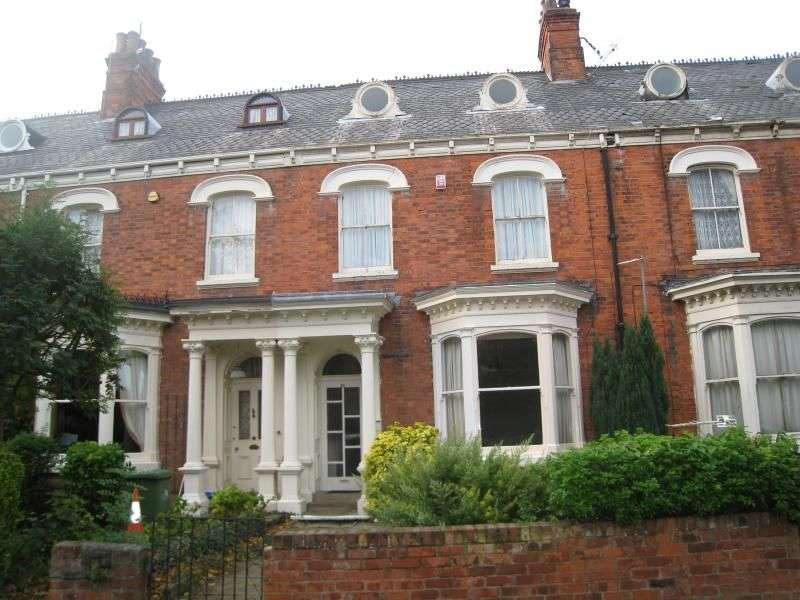 2 Bedrooms Flat for sale in Abbey Road, Grimsby, DN32