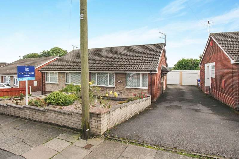2 Bedrooms Semi Detached Bungalow for sale in Fenpark Road, Stoke-On-Trent, ST4