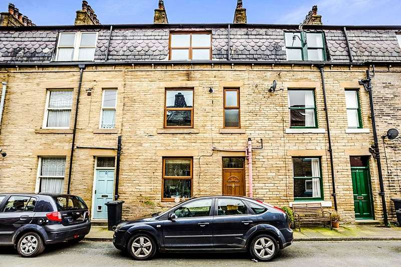 2 Bedrooms Terraced House for sale in Broughton Street, Hebden Bridge, HX7