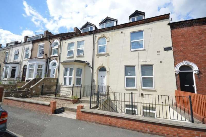 2 Bedrooms Flat for sale in Regent Street, Wakefield, WF1
