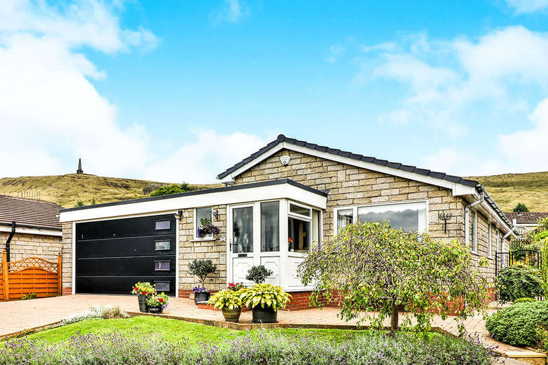 3 Bedrooms Detached Bungalow for sale in Harvelin Park, Todmorden, OL14