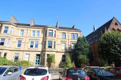 4 Bedrooms Flat for sale in Greenlaw Avenue, Paisley, Renfrewshire