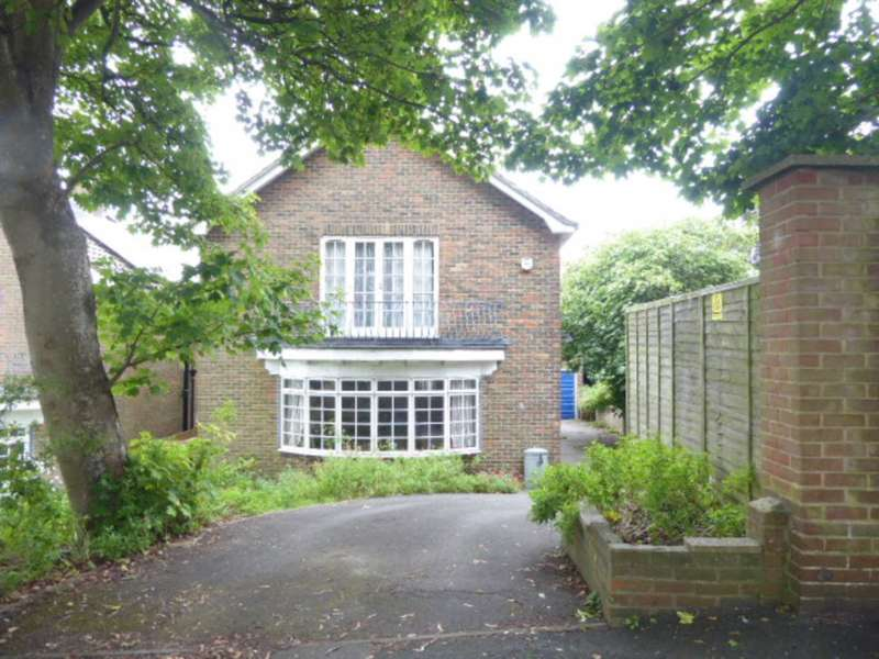 4 Bedrooms Detached House for sale in De Warrenne Road, Lewes