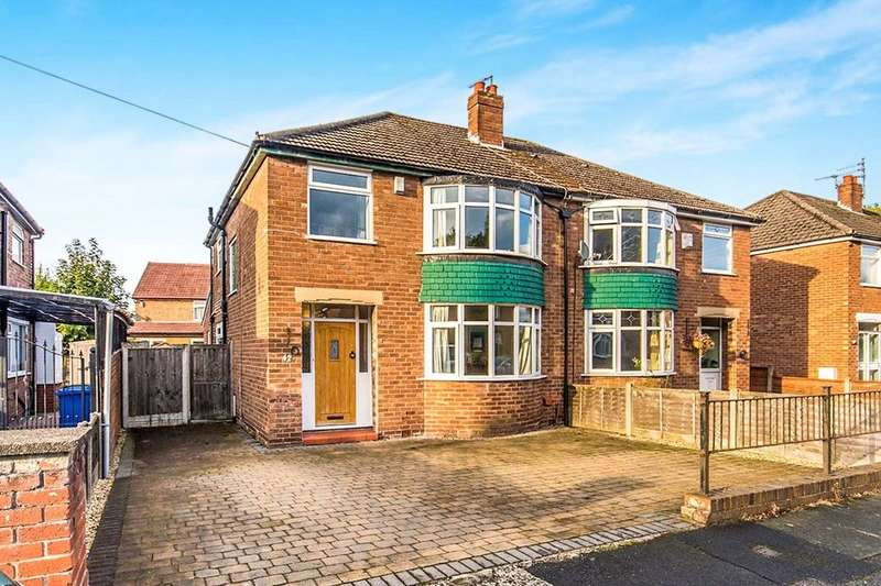 3 Bedrooms Semi Detached House for sale in Kenmore Road, Sale, M33