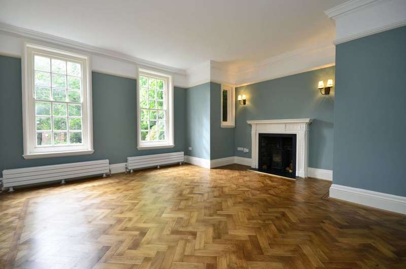 2 Bedrooms Flat for sale in Templewood Avenue, Hampstead, NW3