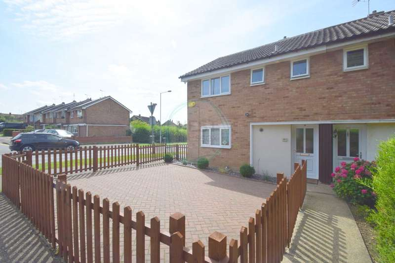 3 Bedrooms Semi Detached House for sale in Church Road, Basildon