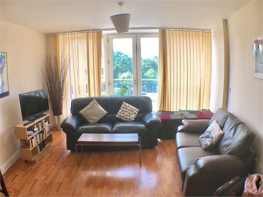 2 Bedrooms Flat for sale in 2 Lee Bank Middleway, Birmingham, West Midlands