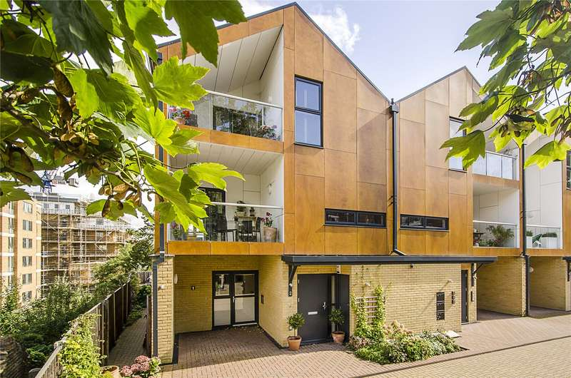 4 Bedrooms Flat for sale in Woodview Mews, London, SE19