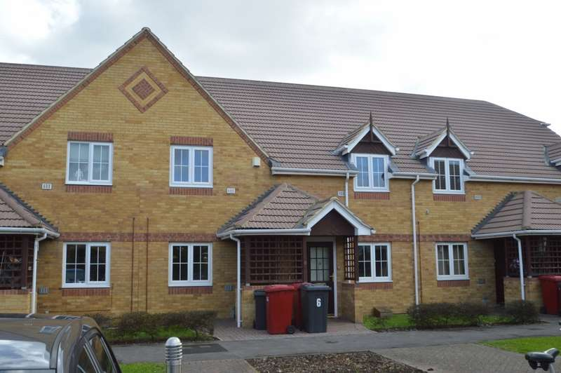 2 Bedrooms Flat for sale in Dickens Place, Colnbrook, SL3