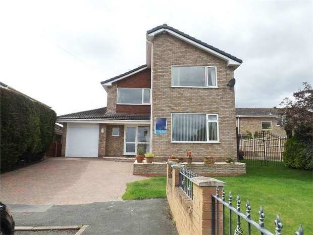 4 Bedrooms Detached House for sale in Berwyn Drive, Marchwiel, Wrexham
