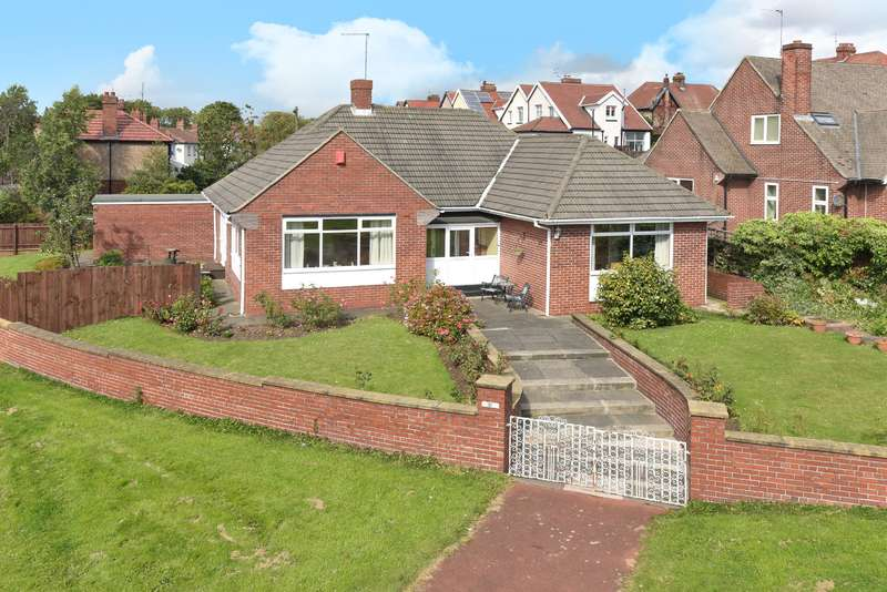 2 Bedrooms Bungalow for sale in Thornholme Road, Thornhill, Sunderland, SR2 7QF