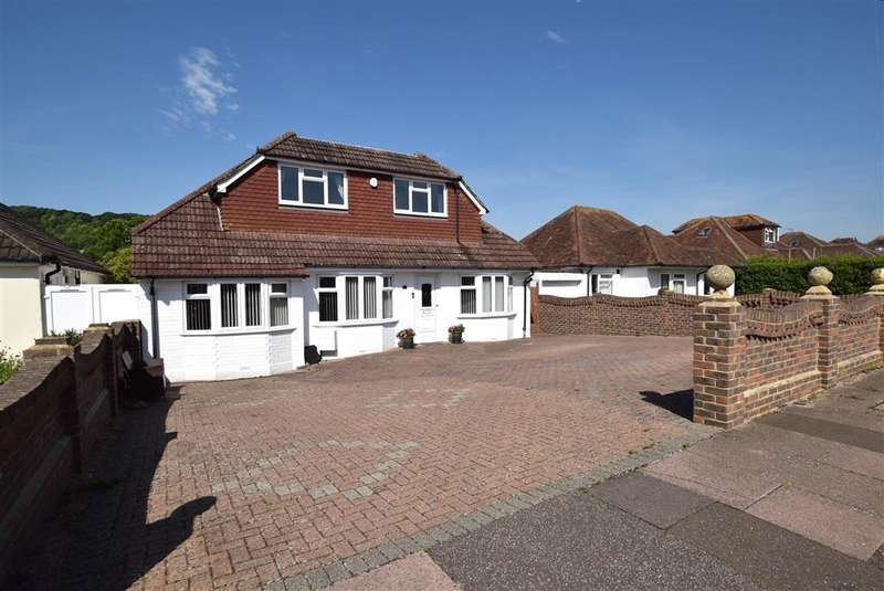 4 Bedrooms Bungalow for sale in Maytree Avenue, Worthing, West Sussex