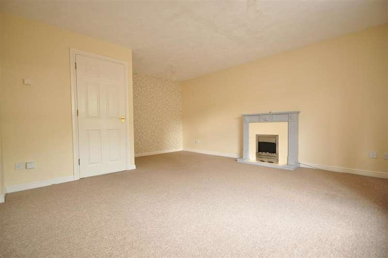 3 Bedrooms Town House for sale in Harvester Close, Chichester, West Sussex