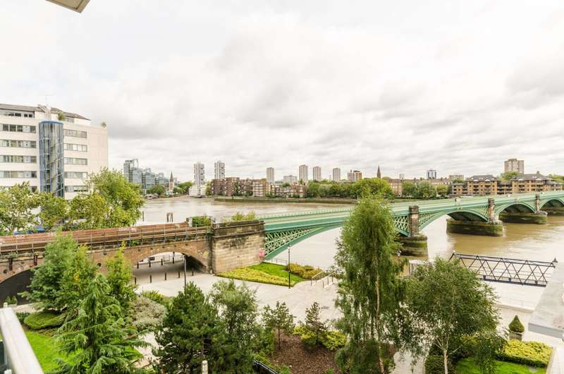 3 Bedrooms Flat for sale in Thames Point, Imperial Wharf, SW6