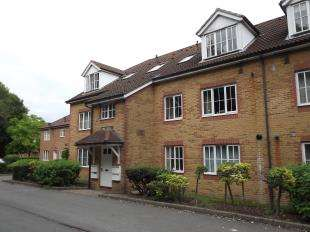 1 Bedroom Flat for sale in Cedar House, Aspen Vale, Whyteleafe, Surrey