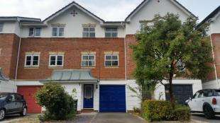 3 Bedrooms Terraced House for sale in Grosvenor Mews, Prices Lane, Reigate, Surrey
