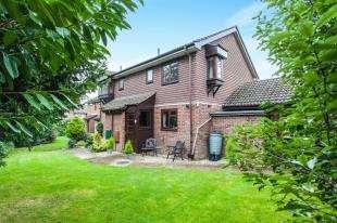 3 Bedrooms End Of Terrace House for sale in White Oak Close, Tonbridge, Kent