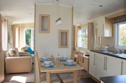 3 Bedrooms Mobile Home for sale in Parkdean Resorts, Breydon Water Holiday, Butt Lane
