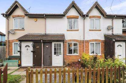 2 Bedrooms Terraced House for sale in Kimbolton Close, Freshbrook, Swindon, Wiltshire