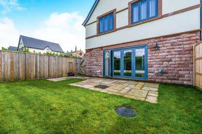 3 Bedrooms Semi Detached House for sale in Kershaw Drive, Lancaster, Lancashire, LA1