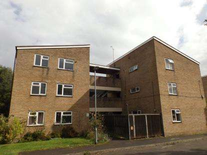2 Bedrooms Flat for sale in Wilton, Salisbury