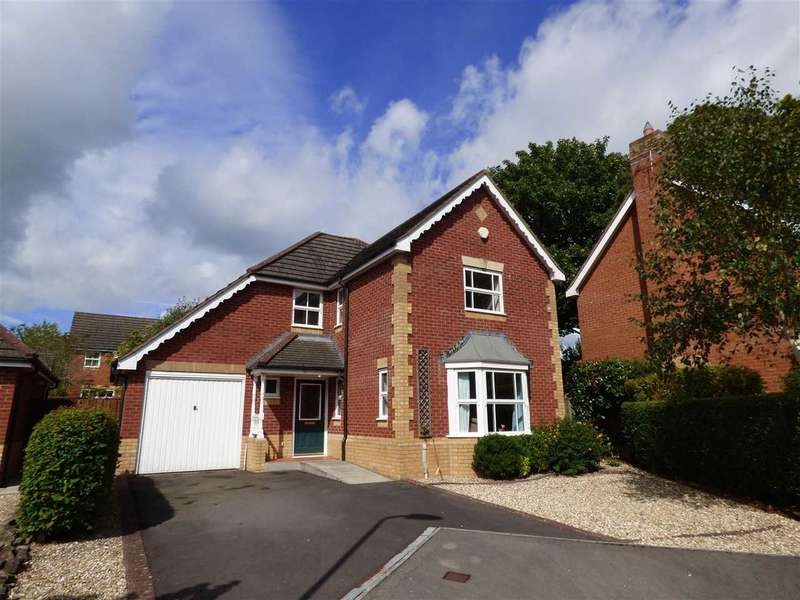4 Bedrooms Detached House for sale in St Lawrence Park, Chepstow