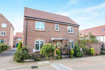 3 Bedrooms Detached House for sale in Lindsell Avenue, Letchworth Garden City, Hertfordshire, England