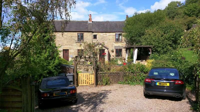 3 Bedrooms Cottage House for sale in Starkholmes Road, Matlock, Derbyshire, DE4