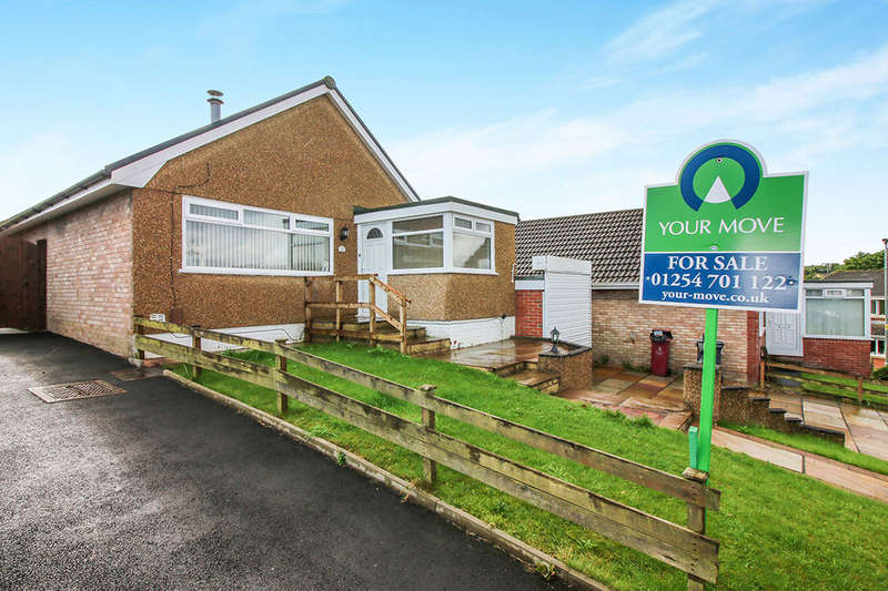 2 Bedrooms Detached Bungalow for sale in Farfield Drive, DARWEN, BB3