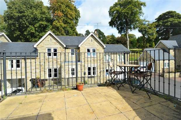 2 Bedrooms Flat for sale in Clarence Road, Bollington, Cheshire