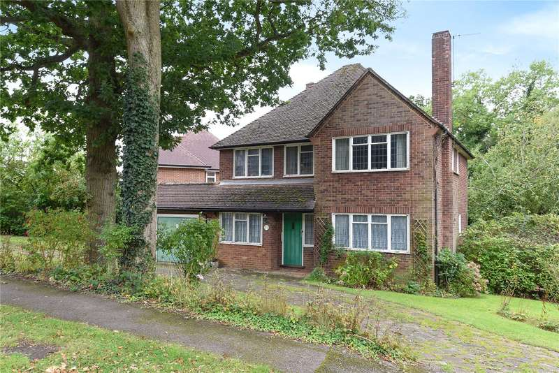 4 Bedrooms Detached House for sale in Bishops Avenue, Northwood, Middlesex, HA6
