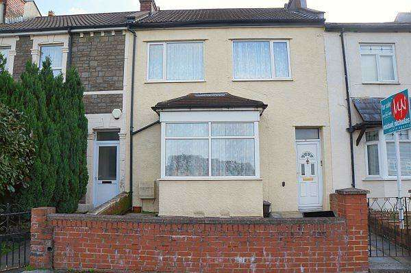 3 Bedrooms House for sale in Charlton Road, Kingswood, Bristol, BS15 1LY