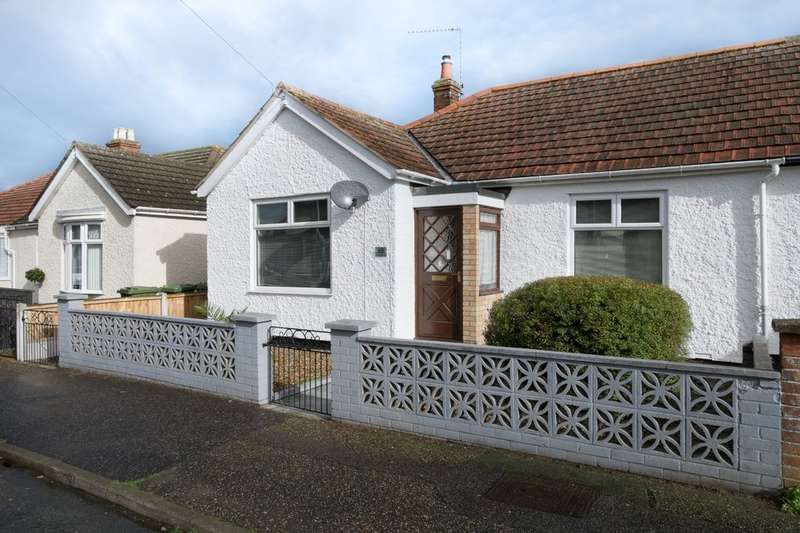 3 Bedrooms Semi Detached Bungalow for sale in Colomb Road, Gorleston