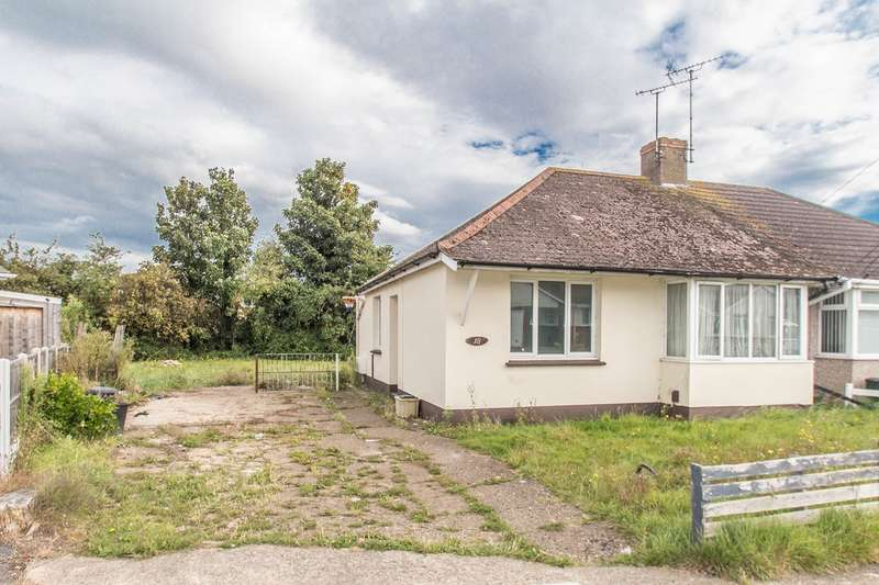 2 Bedrooms Semi Detached Bungalow for sale in Downham Road, Canvey Island, SS8