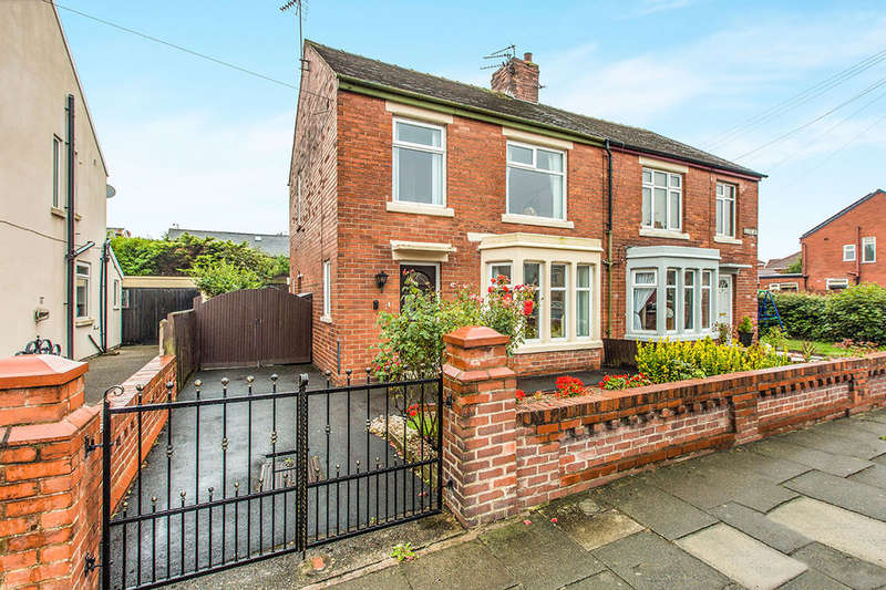 3 Bedrooms Semi Detached House for sale in Belvere Avenue, BLACKPOOL, FY4
