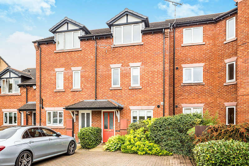 4 Bedrooms Terraced House for sale in Chesterton Court, Chester, CH2