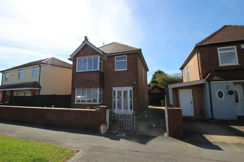 3 Bedrooms Detached House for sale in George Street, Bridlington, YO15