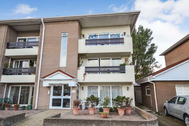 2 Bedrooms Flat for sale in Viking Way, Eastbourne, BN23