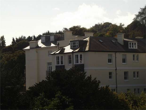 3 Bedrooms Flat for sale in 77 Old London Road, Hastings, East Sussex
