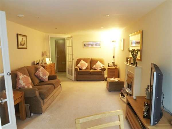 2 Bedrooms Flat for sale in Union Street, Chester, Cheshire