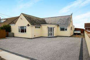4 Bedrooms Bungalow for sale in Coast Drive, Lydd On Sea, Romney Marsh, Kent