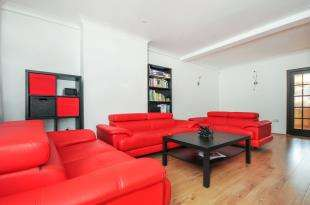 3 Bedrooms Terraced House for sale in Sibthorpe Road, London