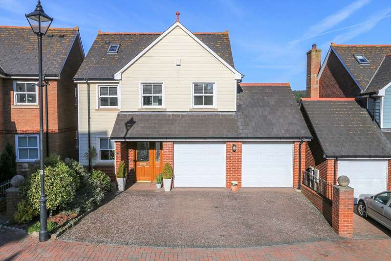 4 Bedrooms Detached House for sale in Fair Oaks, Teignmouth