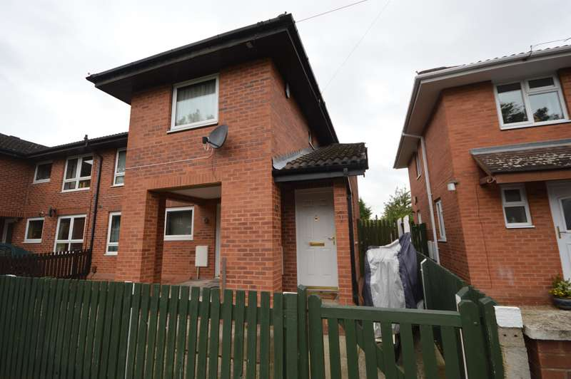 2 Bedrooms Flat for sale in Beaufort Road, Braunstone, LE3 1GF