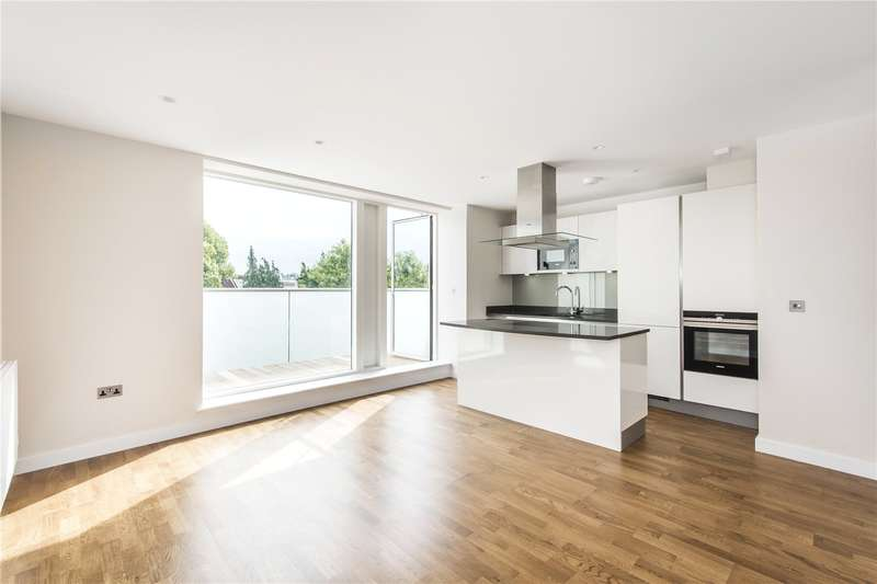 3 Bedrooms Flat for sale in King's Lodge, King's Avenue, Clapham, SW4